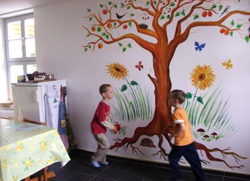lebendige gestaltung wandmalerei kinderzimmer